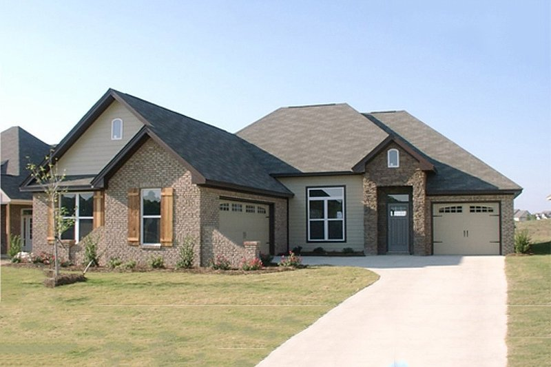 European Style House Plan - 4 Beds 2.5 Baths 2291 Sq/Ft Plan #63-251 Exterior - Front Elevation