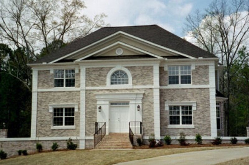 Colonial Style House Plan - 4 Beds 3.5 Baths 2663 Sq/Ft Plan #119-101 Exterior - Front Elevation