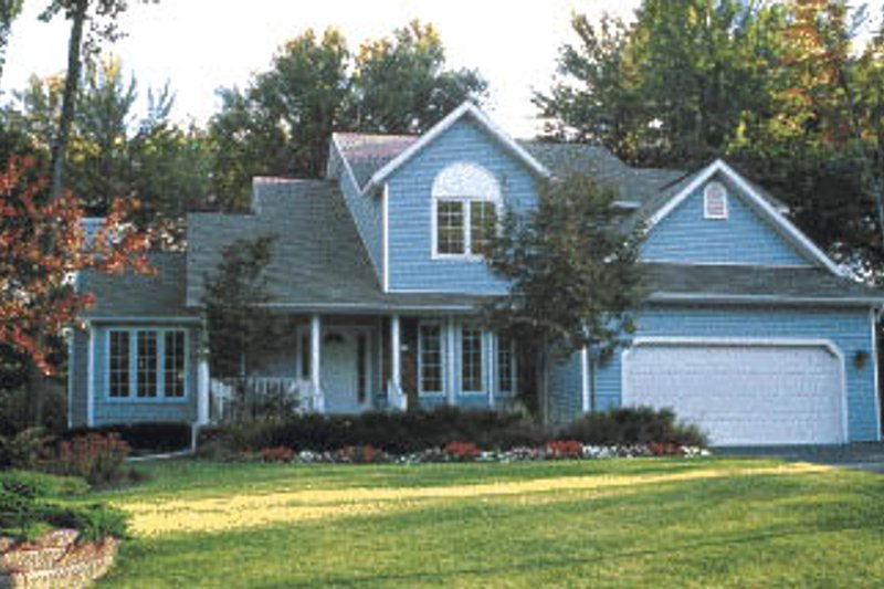 Traditional Exterior - Front Elevation Plan #20-213 - Houseplans.com