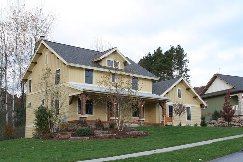Craftsman Style House Plan - 3 Beds 2.5 Baths 2456 Sq/Ft Plan #901-76 Exterior - Front Elevation