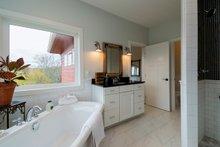 Ranch Interior - Master Bathroom Plan #70-1464