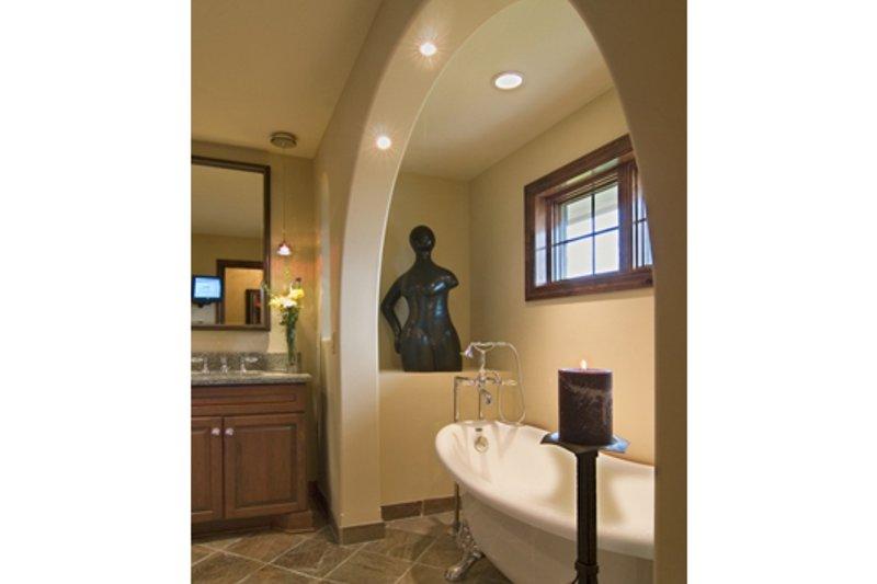 European Interior - Master Bathroom Plan #56-602 - Houseplans.com