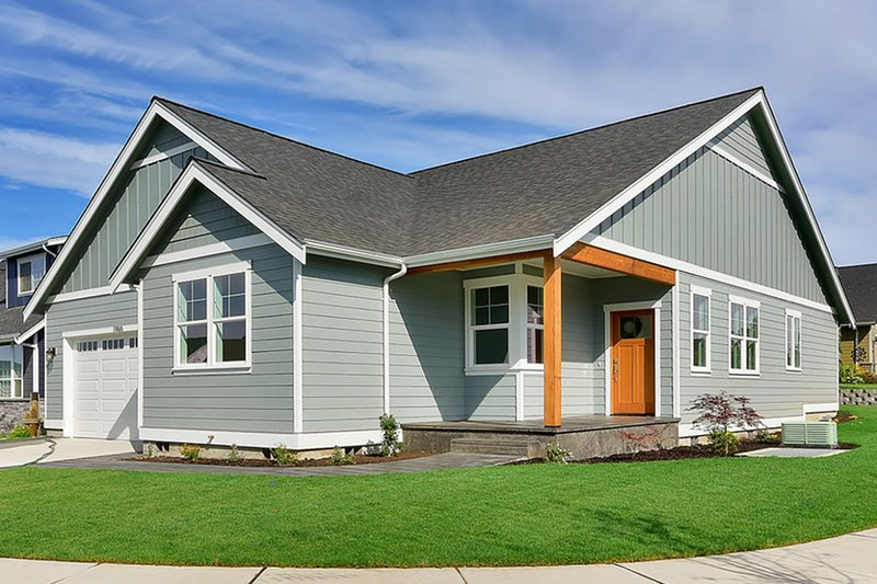 Home Plan - Craftsman Exterior - Front Elevation Plan #1070-27