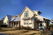 Beach Style House Plan - 4 Beds 4.5 Baths 3000 Sq/Ft Plan #443-19