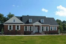 Front view - 2700 square foot Southern home