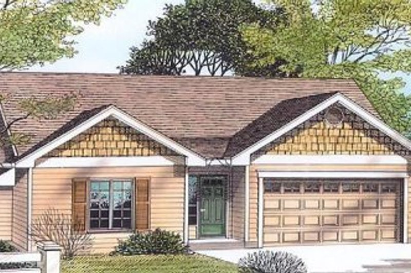 Traditional Style House Plan - 3 Beds 2 Baths 1192 Sq/Ft Plan #53-104 Exterior - Front Elevation