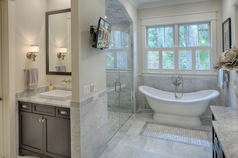 Country Interior - Master Bathroom Plan #928-13 - Houseplans.com
