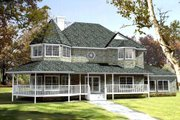 Farmhouse Style House Plan - 5 Beds 3 Baths 2818 Sq/Ft Plan #1-692 Exterior - Front Elevation