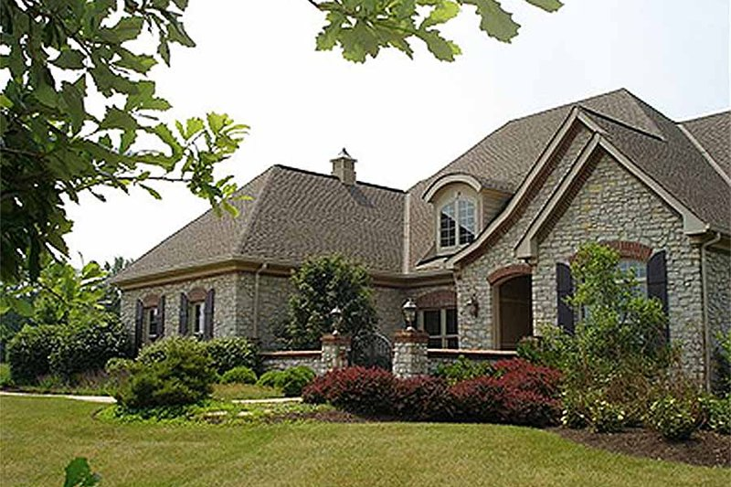European Style House Plan - 4 Beds 2.5 Baths 2854 Sq/Ft Plan #70-489 Exterior - Front Elevation