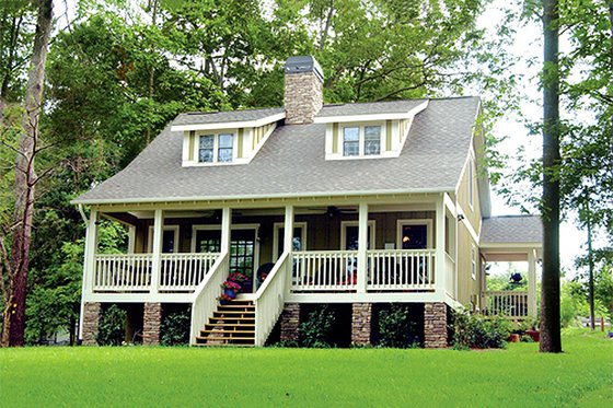 Cottage Exterior - Front Elevation Plan #17-624