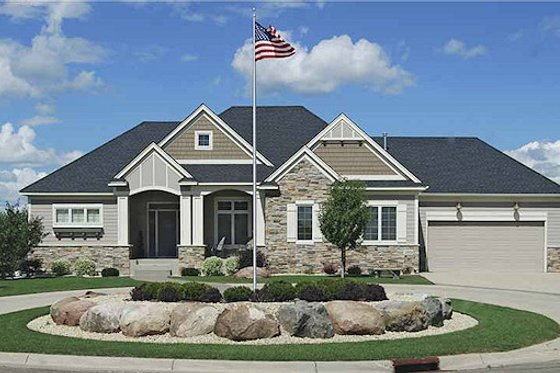 Craftsman Exterior - Front Elevation Plan #320-489