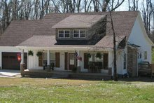 Architectural House Design - Craftsman Exterior - Front Elevation Plan #952-245