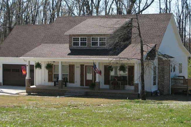 Dream House Plan - Craftsman Exterior - Front Elevation Plan #952-245