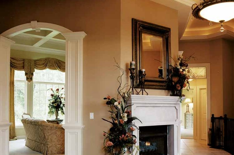 Country Interior - Family Room Plan #46-740 - Houseplans.com