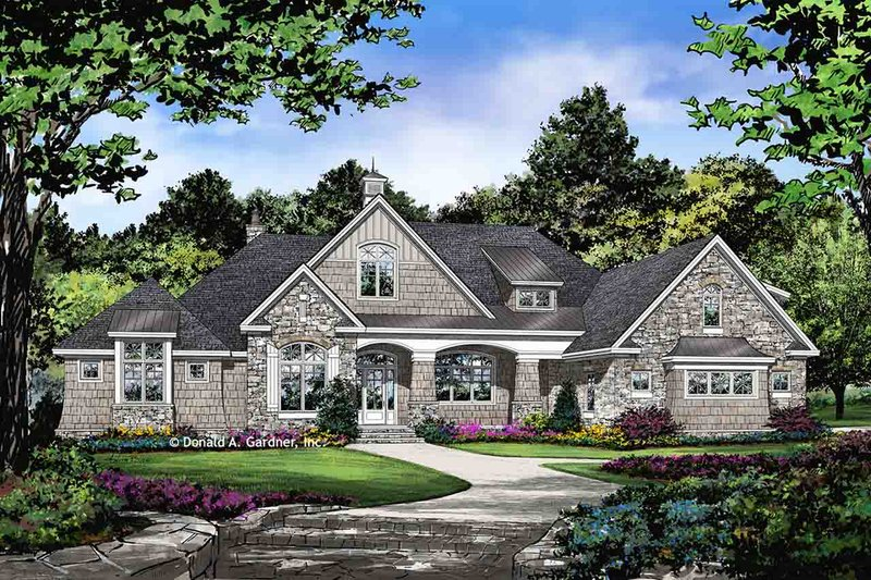 Traditional Style House Plan - 5 Beds 5 Baths 4186 Sq/Ft Plan #929-1042 Exterior - Front Elevation