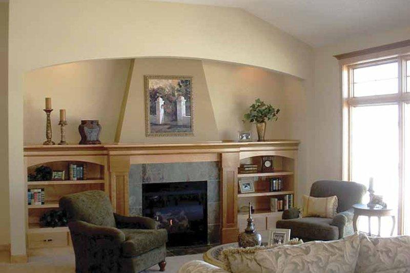 Prairie Interior - Family Room Plan #320-995 - Houseplans.com