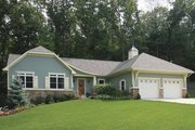 Craftsman Style House Plan - 4 Beds 3.5 Baths 2582 Sq/Ft Plan #928-145 Exterior - Front Elevation