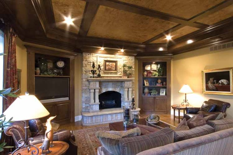 Tudor Interior - Family Room Plan #46-825 - Houseplans.com