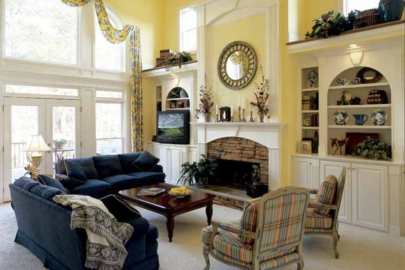 Colonial Interior - Family Room Plan #927-174 - Houseplans.com