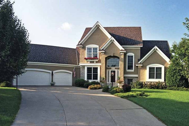 Traditional Exterior - Front Elevation Plan #51-831 - Houseplans.com