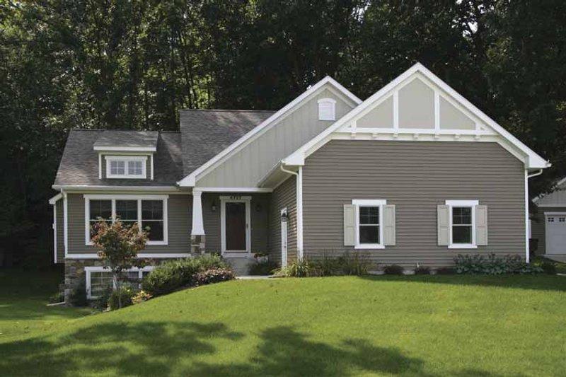 Craftsman Exterior - Front Elevation Plan #928-148 - Houseplans.com