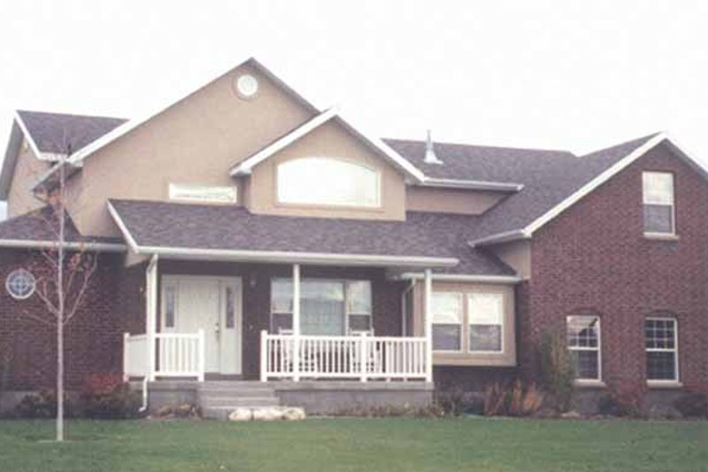 Country Exterior - Front Elevation Plan #945-39