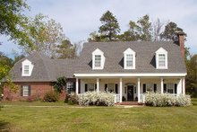 Dream House Plan - Country Exterior - Front Elevation Plan #137-151