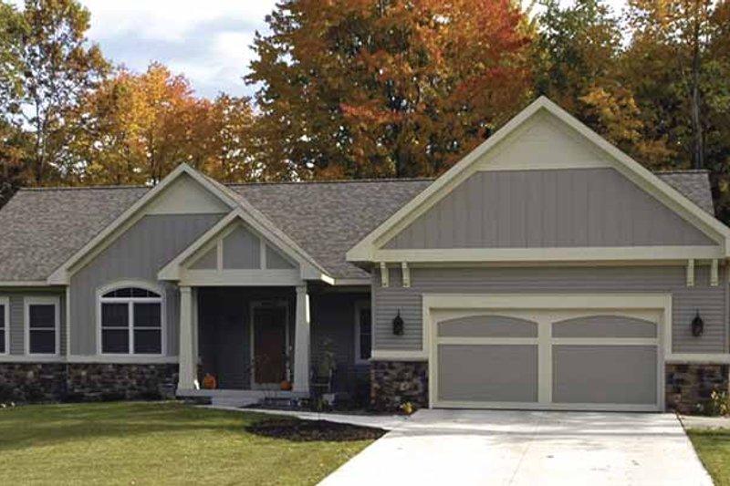 Craftsman Exterior - Front Elevation Plan #928-146 - Houseplans.com