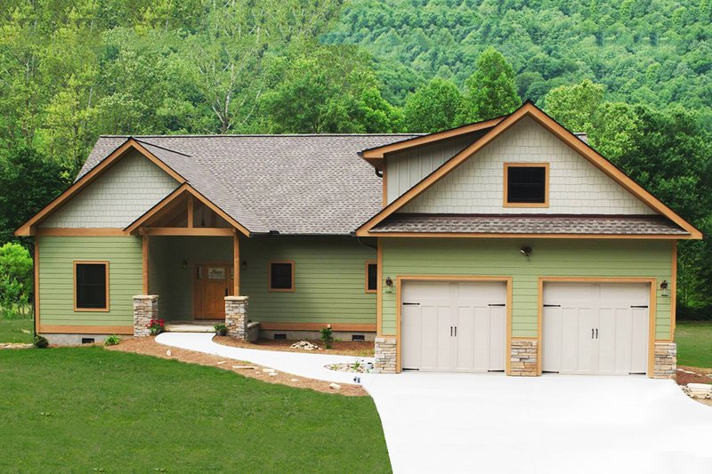 Craftsman Exterior - Front Elevation Plan #932-10