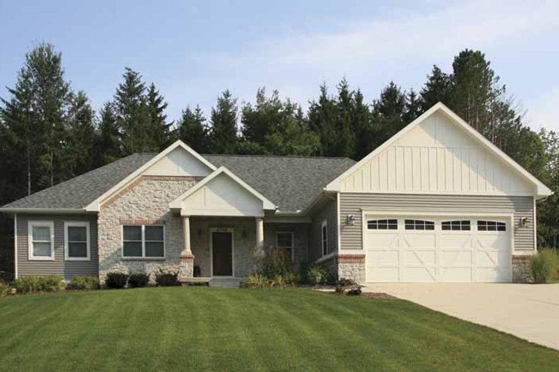 House Plan Design - Craftsman Exterior - Front Elevation Plan #928-159
