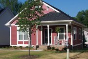 Craftsman Style House Plan - 3 Beds 2 Baths 1076 Sq/Ft Plan #936-16 Exterior - Front Elevation