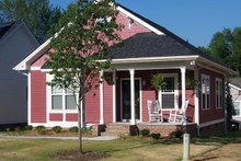 Craftsman Exterior - Front Elevation Plan #936-16