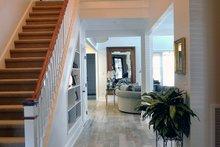Craftsman Interior - Entry Plan #929-837