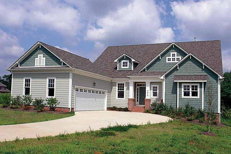 Craftsman Exterior - Front Elevation Plan #453-253 - Houseplans.com