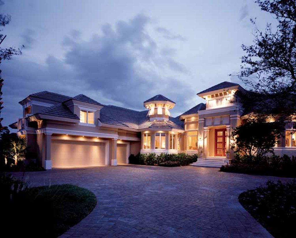 Mediterranean style house plan 3 beds 4 5 baths 5220 sq for Dan sater planimetrie mediterranee