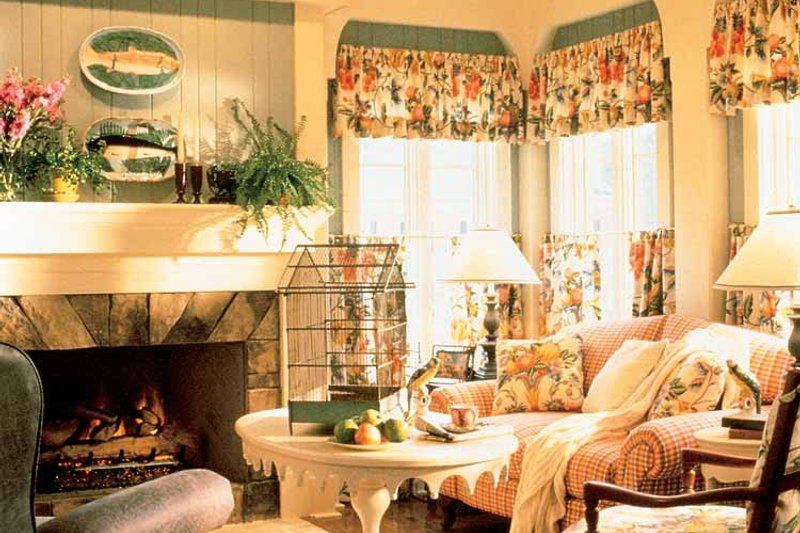 Country Interior - Family Room Plan #429-308 - Houseplans.com