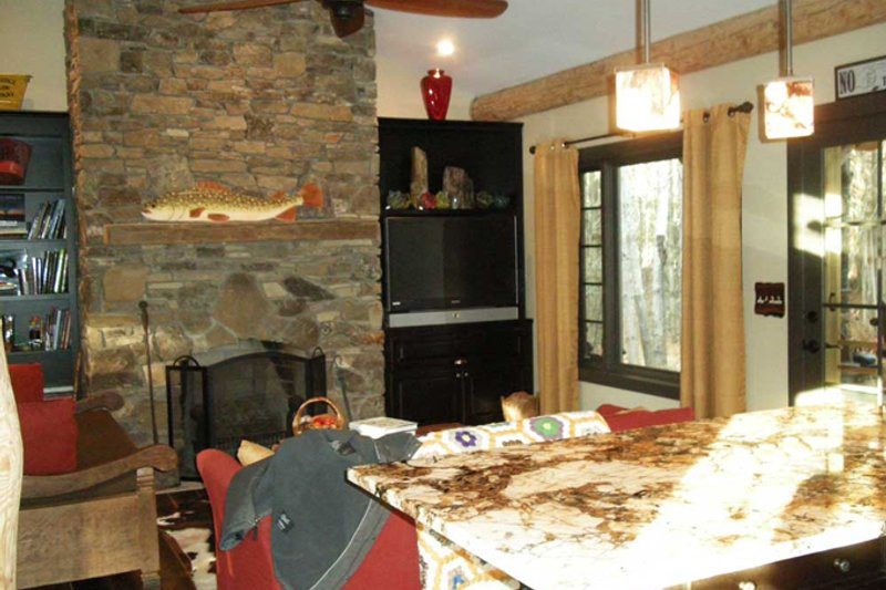 Country Interior - Family Room Plan #942-27 - Houseplans.com