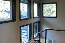 Contemporary Interior - Entry Plan #132-563
