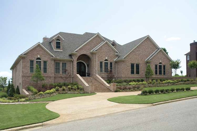Traditional Exterior - Front Elevation Plan #17-2775 - Houseplans.com