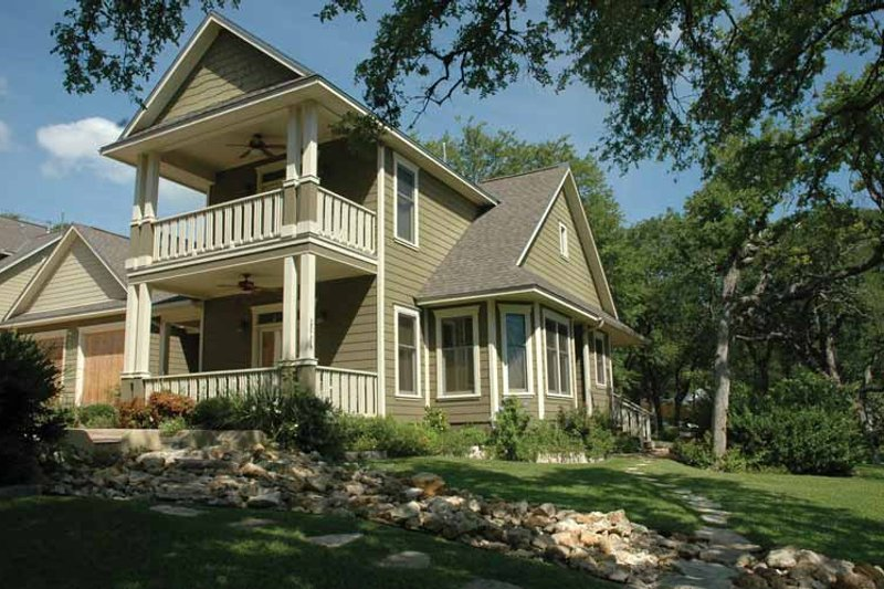 Home Plan - Classical Exterior - Front Elevation Plan #472-275