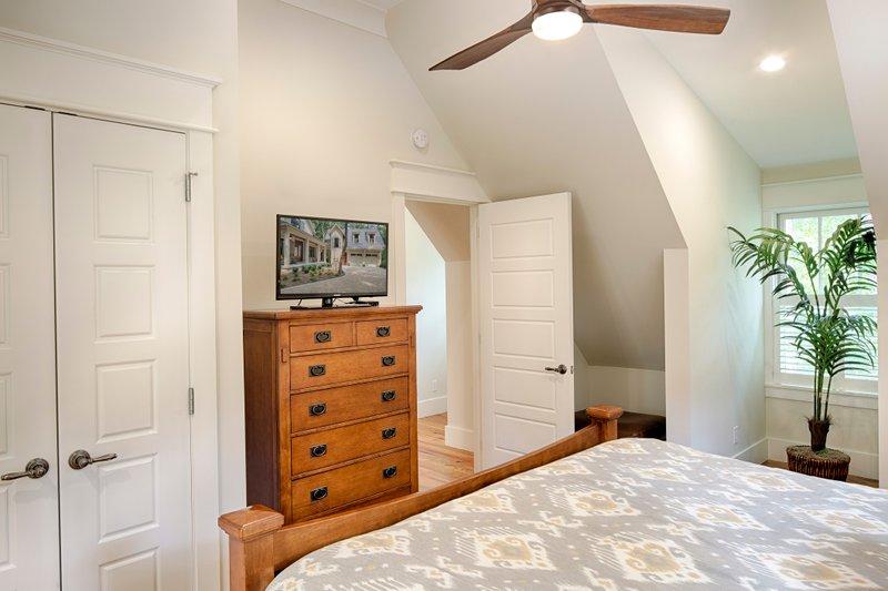 Opt Guest Suite Bedroom