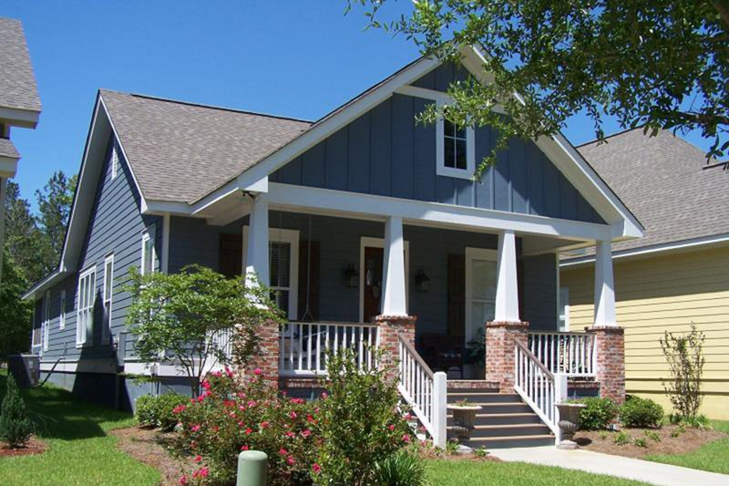 Craftsman Exterior - Front Elevation Plan #430-79 - Houseplans.com