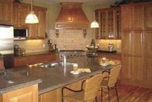 Traditional Interior - Kitchen Plan #320-1002
