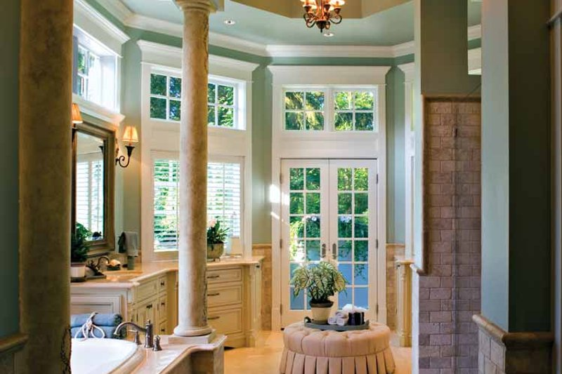 Craftsman Interior - Master Bathroom Plan #132-353 - Houseplans.com