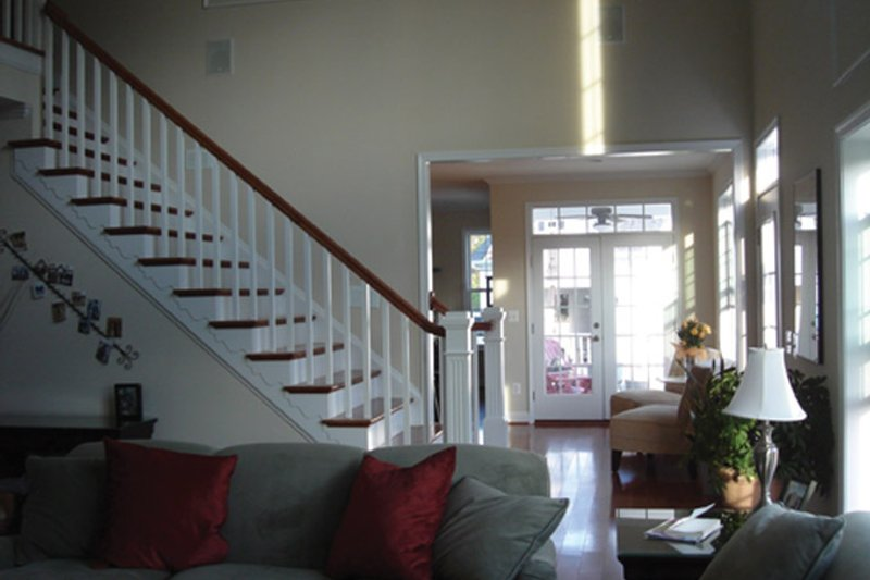 Classical Interior - Entry Plan #927-859 - Houseplans.com