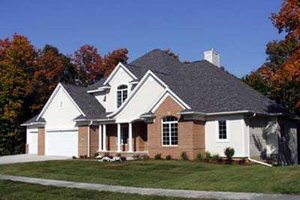 Traditional Exterior - Front Elevation Plan #70-530