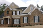 Southern Style House Plan - 4 Beds 3 Baths 2622 Sq/Ft Plan #63-106 Exterior - Front Elevation