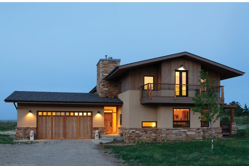 Contemporary Exterior - Front Elevation Plan #1042-16 - Houseplans.com