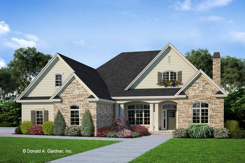Craftsman Style House Plan - 4 Beds 3 Baths 2633 Sq/Ft Plan #929-824 Exterior - Front Elevation