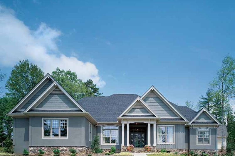 Dream House Plan - Craftsman Exterior - Front Elevation Plan #929-313
